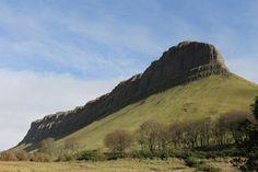 Benbulben, Sligo, Irlande Monument Valley, Ireland, Nature, Travel, Mountains, Naturaleza, Viajes, Irish, Trips