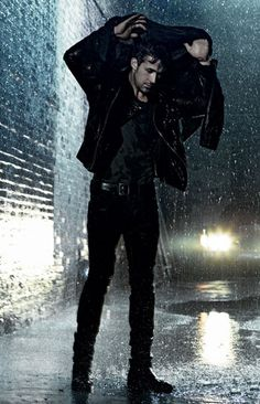 Ryan Gosling + rain = swoon