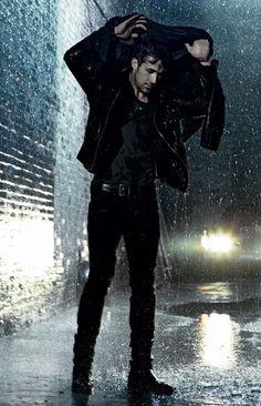Ryan Gosling + rain = swoon