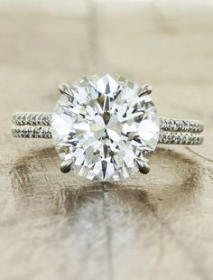 How could you not love this 3 carat diamond!? #roundcut