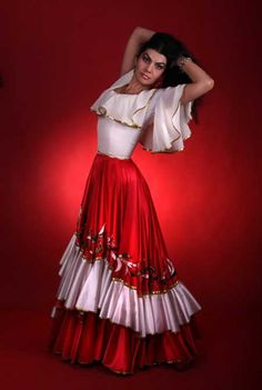 Resultado de imagem para roupa cigana Dance Outfits, Dance Dresses, Boho Outfits, Skirt Outfits, Dress Skirt, Flamenco Costume, Flamenco Skirt, Belly Dance Costumes, Gypsy Style