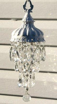 Outdoor Chandelier, Diy Chandelier, Chandelier Crystals, Outdoor Lighting, Chandeliers, Crystal Wind Chimes, Crystal Garden, Yard Design, Garden Crafts