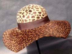 unique leopard 1 Girl, 4 Looks: Fashion's Top Archivist Gives Us Spring Inspiration shoes these shoes ? Leopard Fashion, Animal Print Fashion, Animal Prints, Large Brim Hat, Leopard Animal, Leopard Belt, Love Hat, Cheetah Print, Leopard Prints