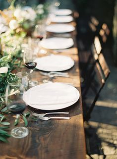 a casual summer wedding table
