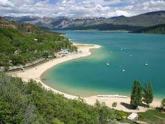 Lac de sainte croix sur le verdon guide du tourisme de provence