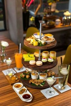 Thai style hi tea buffet (photo from traveler luxe) tea time кофе, рецепты English Afternoon Tea, Afternoon Tea Recipes, Afternoon Tea Parties, Hi Tea Food, Food And Drink, Brunch, Hi Tea Ideas, Little Lunch, Tea Sandwiches