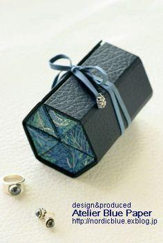 ■リバティのピアスケース■ : Atelier Blue Paper I want to make one to store my sunglasses safely.