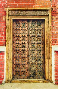Bucharest, Romania Cool Doors, Unique Doors, Door Entryway, Entry Doors, Arched Doors, Windows And Doors, Wooden Front Door Design, Rustic Doors, Entrance Gates