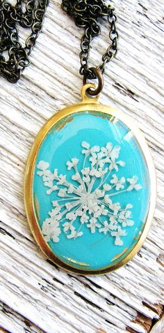 Queen Anne's Lace Pressed Flower Necklace, Blue Background
