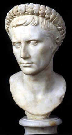 Ritratto di Augusto / Sala degli Imperatori / Palazzo Nuovo / Percorsi per sale - Musei Capitolini