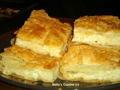 Καλημέρα, καλή βδομάδα και καλό μήνα με την ασύγκριτη νοστιμιά της αυθεντικής γραβιέρας Νάξου, που απογειώνει τη γεύση αυτής της τόσ... Cheese Pies, Spanakopita, Tart, Food And Drink, Cookies, Savoury Pies, Breakfast, Ethnic Recipes, Desserts