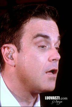Luovasti.com by Sanya: Robbie Williams live@ Helsinki 18.5.2014