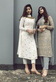 Pin by shayoni mondal on gorgeous in 2019 индийская одежда, Salwar Designs, Kurta Designs Women, Kurti Designs Party Wear, Indian Gowns Dresses, Indian Fashion Dresses, Dress Indian Style, Indian Outfits, Fashion Suits, Punk Fashion