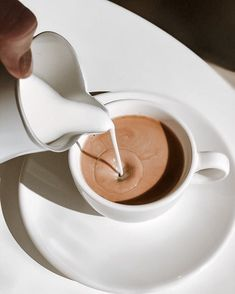 But First Coffee, Coffee Love, Coffee Art, Coffee Shop, Drink Coffee, Coffee Maker, Aesthetic Coffee, Aesthetic Food, White Aesthetic