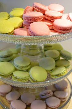 Puistolan bistro: Kummitytön rippijuhlat Vanilla Cake, Desserts, Food, Food Cakes, Tailgate Desserts, Deserts, Eten, Postres, Dessert