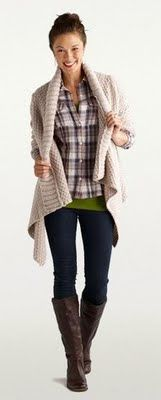 I love this comfy look for Fall. Cozy cardigan, stretchy jeans and leather boots.