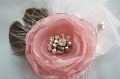 How to Make a Fabric Flower Fascinator Comb   Handmade Flower Tutorials #diyweddings #diy #weddings #bridalfascinator #fascinator #jewelboxballerina