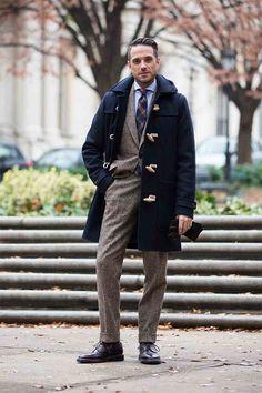 ダッフルコートとスーツスタイル