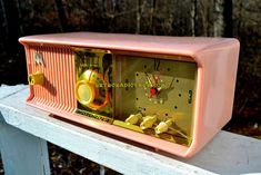 "MARILYN PINK Retro Jetsons 1956 Motorola 56CD Tube AM Clock Radio Totally Restored! DIMENSIONS: Approximately 13.5"" x 6"" x 5.5"" (l x w x h) COLOR: Powder Pink."