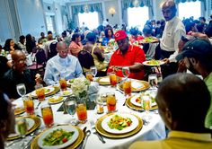 Family Hosts 200 Homeless People for Dinner After Daughter's Wedding Gets Called Off - talk about turning lemons into lemonade!