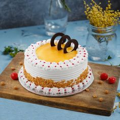 Cake Decorating For Beginners, Cake Decorating Videos, Cake Decorating Techniques, Cake Decorating Frosting, Cake Decorating Designs, Simple Cake Designs, Simple Cakes, Indian Cake, Butterscotch Cake