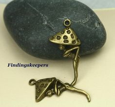 5  34 x 16 mm Mushroom Fairy Bronze charms by FindingsKeepers, $1.25
