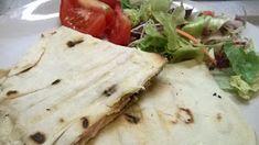 Szila: Sajtos-sonkás quesadilla Feta, Tacos, Dairy, Bread, Cheese, Ethnic Recipes, Quesadilla, Brot, Quesadillas