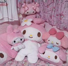 Aesthetic Bedroom, Pink Aesthetic, Aesthetic Clothes, Kawaii Bedroom, Hello Kitty My Melody, Cute Room Ideas, Sanrio Characters, Dream Bedroom, Bedroom Stuff