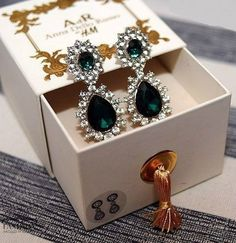 earrings, green, and H&M Bild