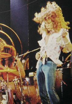Robert Plant- still a tiny bit in love <3