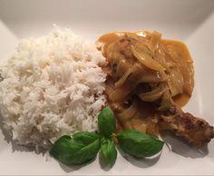 Rezept Hähnchenkeule an Basmatireis & pikanter Zwiebel-Senf-Soße…