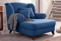 Ruhepol im großen Stil: Der XXL-Sessel von Home affaire im Landhaus-Design bietet dank seiner großzügigen Maße besonders gemütlichen und luxuriösen Sitzkomfort im Wohnzimmer. Die seitlichen Stützen an der Rückenlehne laden genauso wie die Armlehnen zum Anschmiegen und Entspannen ein.