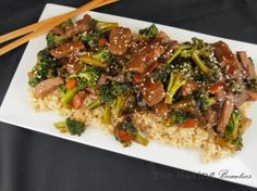 Gluten-free Beef and Broccoli Stir-fry. Tried it with ground turkey and was awesome. Loaded with perfectly seasoned beef and broccoli, this quick and easy gluten free Beef and Broccoli Stir Fry is sure to satisfy your craving for take-out. Gluten Free Dinner, Gluten Free Cooking, Paleo Dinner, Gluten Free Desserts, Gluten Free Chinese Food, Stir Fry Recipes, Gluten Free Recipes, Paleo Recipes, Asian Recipes