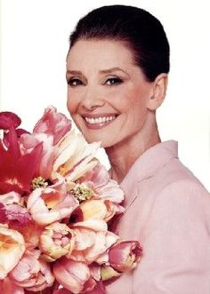 The pictures on this page link to different sites related either to Audrey Hepburn or to UNICEF. Description from audreyhepburn.50megs.com. I searched for this on bing.com/images