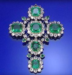 Royal emerald and diamond crucifix pendant, late 18th century.