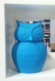 Blue decorative owl.