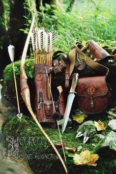 I would love to have all the leathers for m. I would love to have all the leathers for my bow quiver and bow… Archery Leather. I would love to have all the leathers for my bow quiver and bow handle - Rangers Apprentice, Mode Steampunk, Victorian Steampunk, Steampunk Fashion, Traditional Archery, Traditional Bow, Bow Wow, Bow Hunting, Archery Hunting