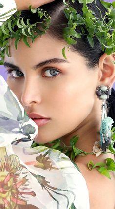 Body Shots, Egyptian Goddess, Drop Dead Gorgeous, True Beauty, Gorgeous Women, Fashion Accessories, Chic, Floral, Pretty