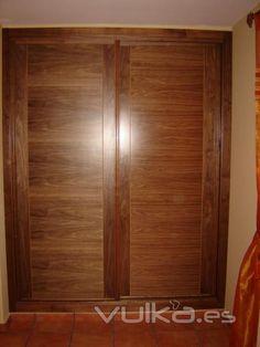 Puertas de closet en madera de tzalam closets for Ideas para puertas de closet