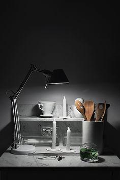 lampa hylla kök marmor