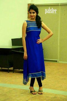 Royal blue is all tym color Simple Dresses, Nice Dresses, Casual Dresses, Casual Outfits, Simple Kurta Designs, Tunic Designs, Kurtha Designs, Salwar Pattern, Kurti Embroidery Design