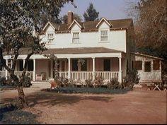 I kind of pictured Jessie's house like the Waltons' :)