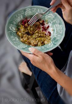 "Kaalilaatikko/Cabbage Casserole or ""Bake""/Suola Ja Hunaja: ""Nyt on paras aika vuodesta tehdä kaalilaatikko! Now's the best time of the year to make cabbage casserole! Cabbage Casserole, Nom Nom, Salads, Food And Drink, Veggies, Favorite Recipes, Meals, Baking, Ethnic Recipes"