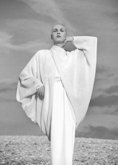 avant garde couture fashion photography art Chic Minimalist Style - understated dress & draped top, all white fashion // Matthew Ames White Fashion, New Fashion, Trendy Fashion, Fashion Show, Fashion Outfits, Womens Fashion, Fashion Design, Couture Fashion, Woman Outfits