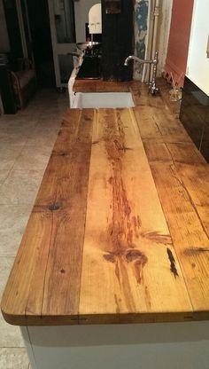 Rustic Countertops: Everything You Need to Know - Kitchen countertops with beautiful textures that will stun your eyes! Wooden Countertops, Outdoor Kitchen Countertops, Kitchen Tables, Reclaimed Wood Countertop, Kitchen Ideas, Kitchen Decor, Diy Kitchen Worktops, Wood Counter Tops Kitchen, Diy Butcher Block Countertops