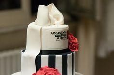 The celebration cake to wish Happy Academic Year , made by DolceAlice #accademiacostumeemoda #cake #dolcealice www.dolcealice.it