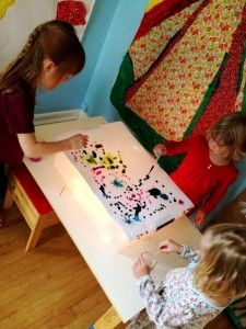 Light Table Activities :: 10+ Free And Low Cost Ideas For Kids