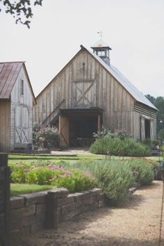 I want to have my wedding in a fancy barn