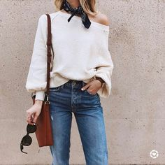 Casual Jeans Outfits for this Summer 2017 - Stylish Me Beige Outfit, White Sweater Outfit, Bandana Outfit, Bandana Scarf, Slouchy Sweater, Sweater Scarf, Off Shoulder Sweater, Color Beige, Scarf Hairstyles