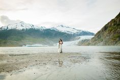 Adventurous mountain elopement in Alaska by ©RyanFlynnPhoto. www.ryanflynnphotography.net